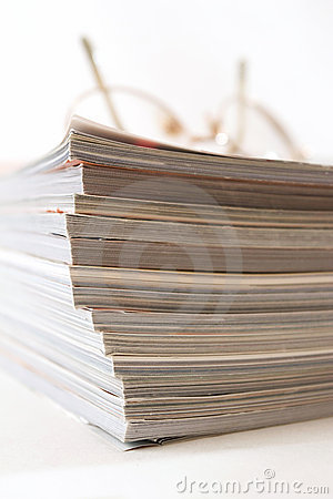 Free Glasses On Stack Of Magazines Stock Images - 2726714