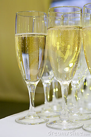 Free Glasses With Sparkling White Wine Royalty Free Stock Image - 4909696