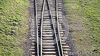 Gleis Bahnschienen für Verzweigungsbahn der Züge stock video footage