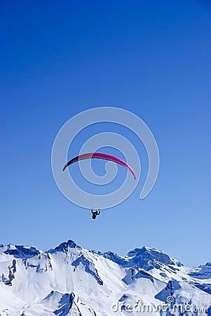 Glijscherm in de Alpen