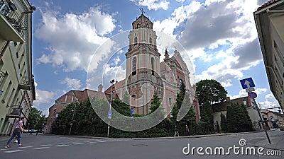 ?glise catholique de tous les saints ? Vilnius banque de vidéos