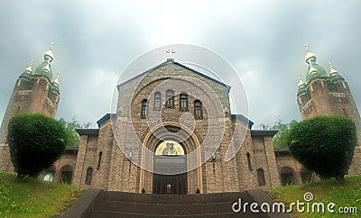 Église en brouillard