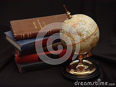 Globe avec la couleur de livres