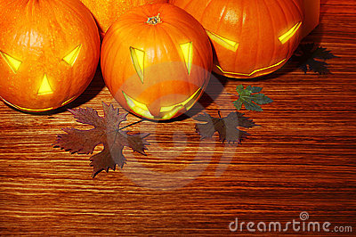 Glowing Halloween pumpkins border