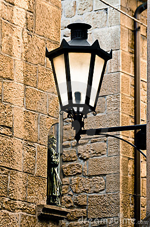 Free Glowing Wrought Iron Lamp Royalty Free Stock Photos - 22211048