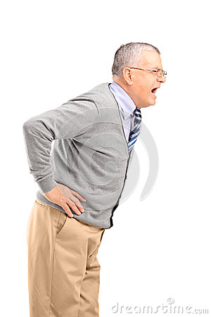 Gniewny starszy dżentelmenu krzyczeć