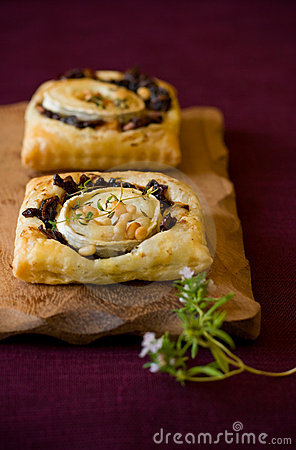 Free Goat S Cheese And Red Onion Tarts Stock Photography - 14121542