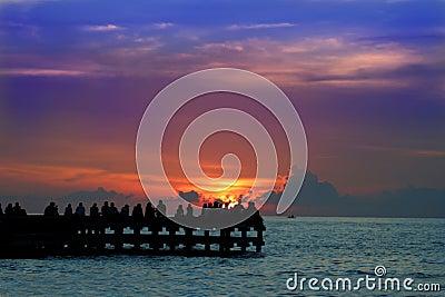 Goce de la puesta del sol o del sunrice