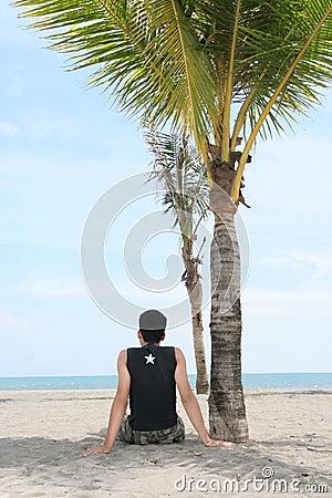 Goce en la playa tropical