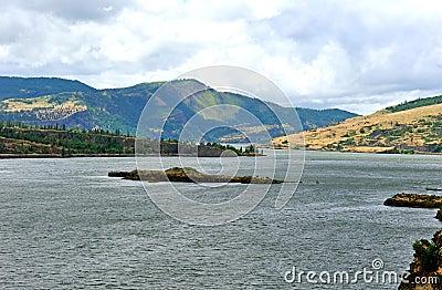 La gola del fiume Columbia è un canyon del fiume Columbia nel ...
