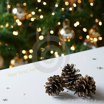 Gold Christmas Tree Pine Cones
