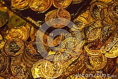 Gold pirate treasure