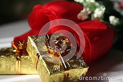 Gold presents