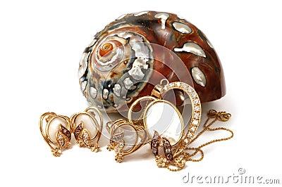 Gold set wirh pearl