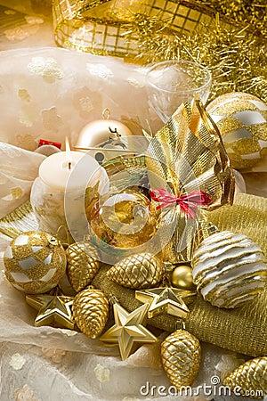Gold xmas decorationsi