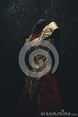Free Golden Armor For Women. Carries Pieces Of Gold And Fabrics And F Stock Photo - 97185610