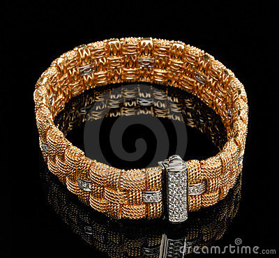 Golden bracelet with diamonds