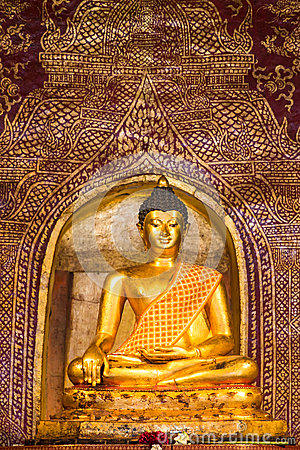 Free Golden Buddha Image Inside A Temple In Thailand Royalty Free Stock Photo - 84319015