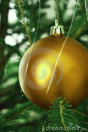 Free Golden Christmas Tree Ball Royalty Free Stock Photography - 3264297
