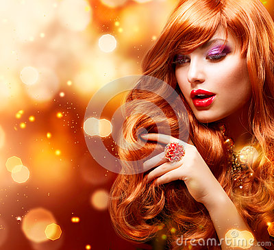 Free Golden Fashion Girl Portrait Royalty Free Stock Photo - 25452635