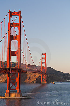 Golden Gate bridge, afternoon, copyspace