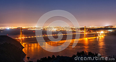 Golden gate bridge di San Francisco alla notte