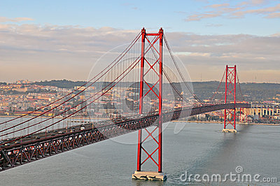 Golden gate bridge in Lissabon