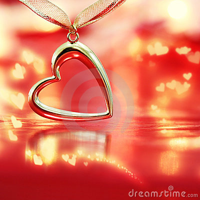 Free Golden Heart On Blazing Red Background Royalty Free Stock Photography - 11755857
