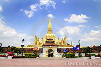 Golden pagada in Pha-That Luang temple Editorial Photo