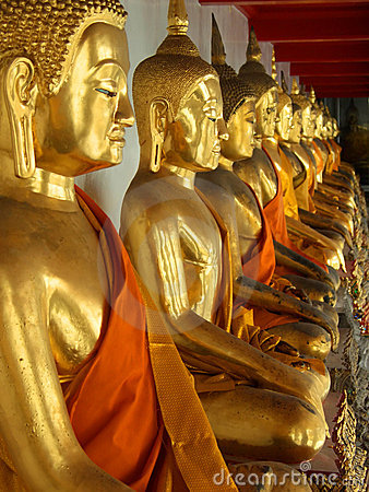 Free Golden Sitting Buddha Statues Royalty Free Stock Images - 1652199