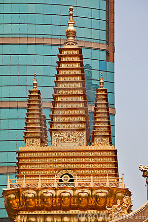 Free Golden Temples Jing An Temple Shanghai China Royalty Free Stock Photos - 22560648