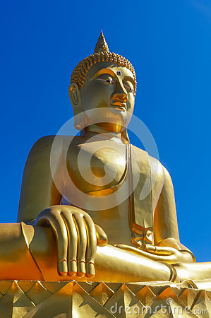 Free Golden Thailand Buddha In Hinayana Tradition In Pure Blue Sky Royalty Free Stock Photos - 69732438