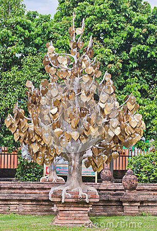 The golden tree in Thai temple