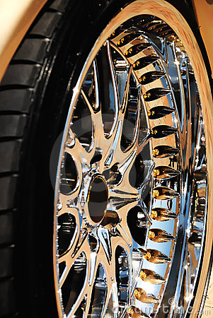 Free Golden Wheel Of The Car And Tyre Stock Photo - 14444260