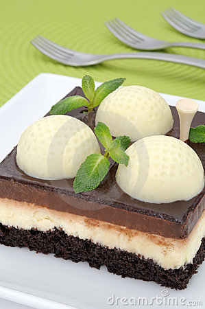 Golf cake with mint
