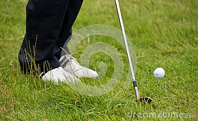 Golf chip shot from the rough
