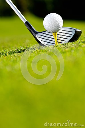 Free Golf Driver And Ball On Tee Royalty Free Stock Photos - 83503118