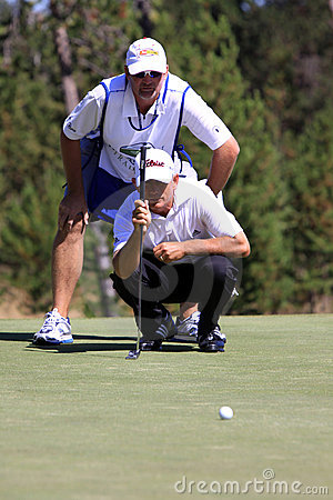 Free Golf - Lining Up A Putt Royalty Free Stock Photos - 10737118