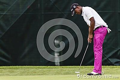 Golf Pro Putting Editorial Stock Image