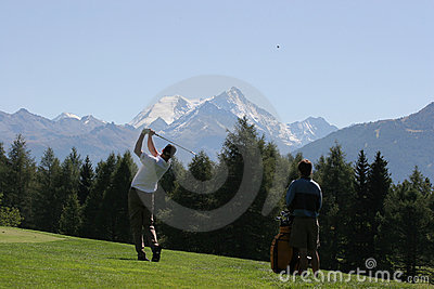 Golf swing in Crans-Montana