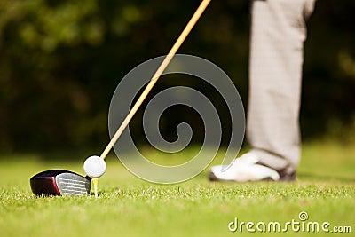 Golf teeing