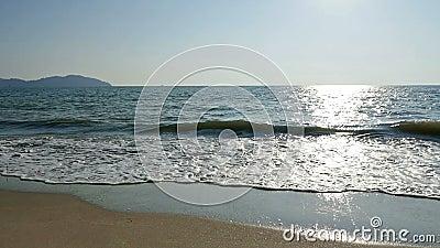 Golf, zand en strand in langzame beweging stock videobeelden