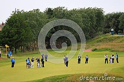 Golfe aberto do 8o fairway do tiro de aproximação de Lee Westwood Foto Editorial