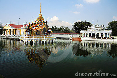 Golpeie a dor Aisawan, palácio de verão rayal, Tailândia