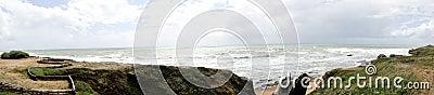 Golven die op strand breken