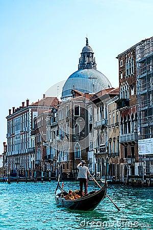 Free Gondola In Venice Royalty Free Stock Photography - 51620637