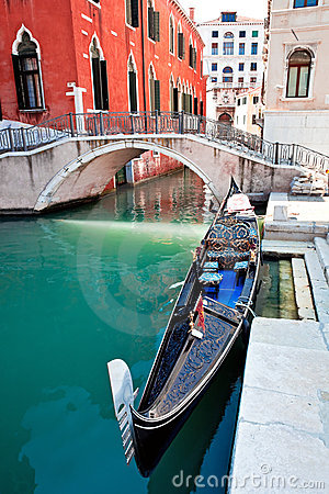 Free Gondola On Venice Canal Stock Images - 15562194