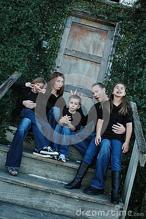 Free Goofy Family Portrait Stock Image - 31884961