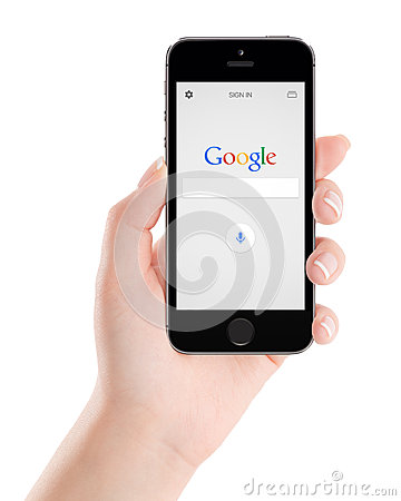 Free Google Search Application On The Black Apple IPhone 5s Display Royalty Free Stock Images - 57059199
