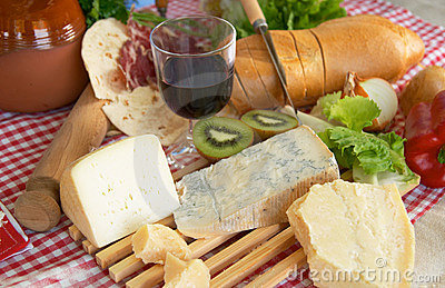 Gorgonzola, parmigiano, pecorino cheese, with wine and bread